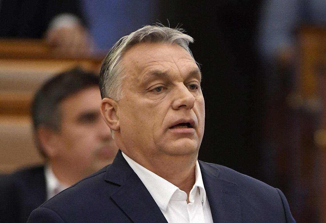 Orbán Viktor miniszterelnök napirend előtt felszólal az Országgyűlés plenáris ülésén 2020. március 23-án.