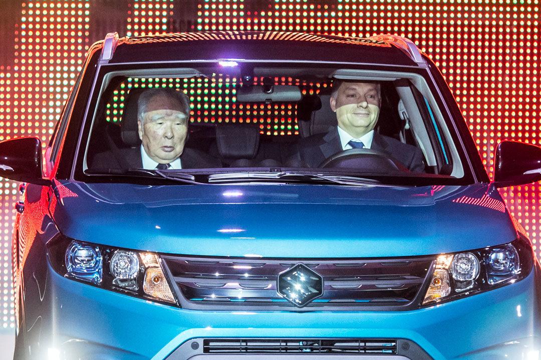 Orbán Viktor a Suzuki új modelljének bemutató ünnepségén Esztergomban 2015. március 5-én.
