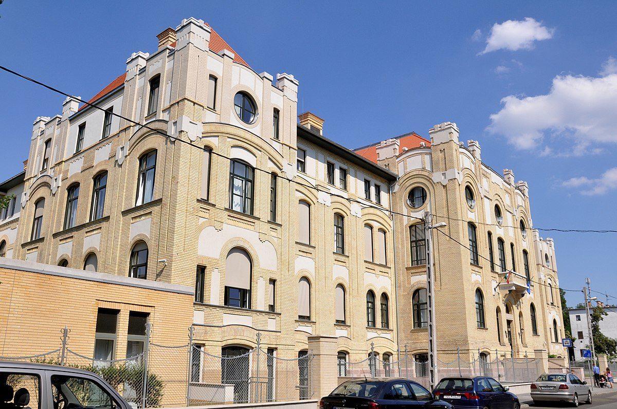 Az Uzsoki Utcai Kórház főépülete.