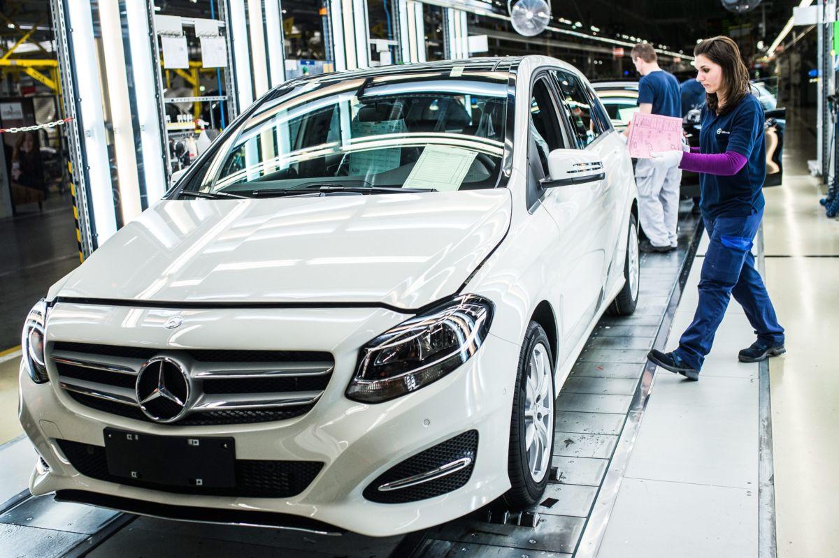 Egy B-osztályú modell a Mercedes-Benz Manufacturing Hungary Kft. kecskeméti gyárának összeszerelő üzemében 2016. április 29-én.