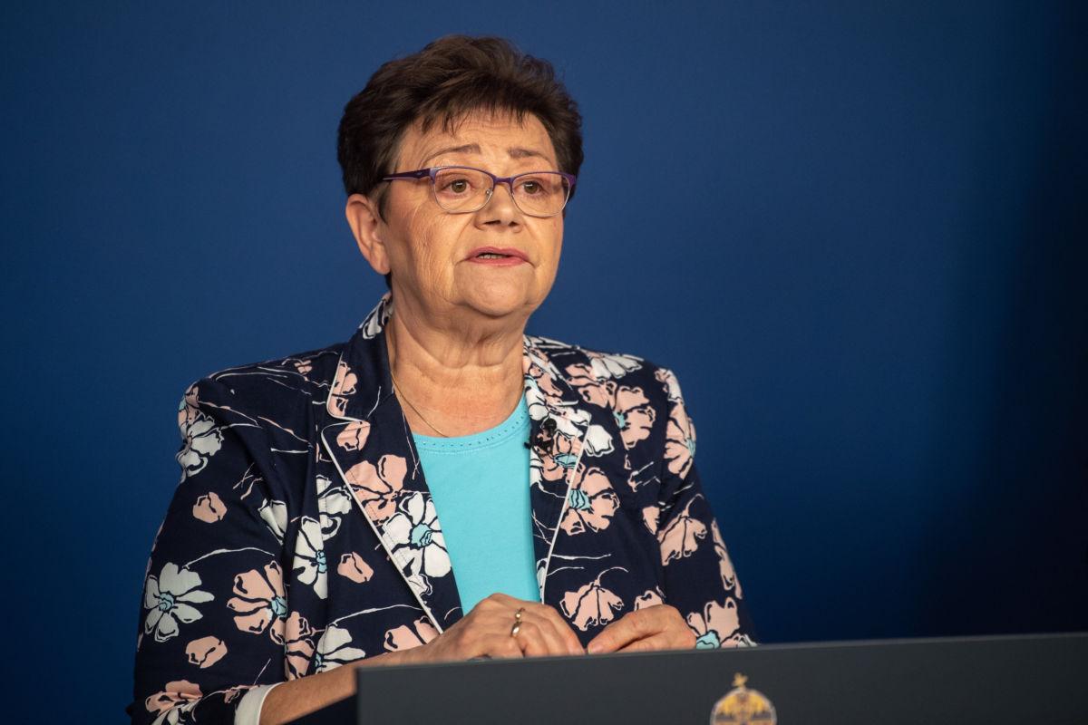 Müller Cecília országos tisztifőorvos a koronavírus-fertőzés elleni védekezésért felelős operatív törzs online sajtótájékoztatóján 2020. április 18-án.