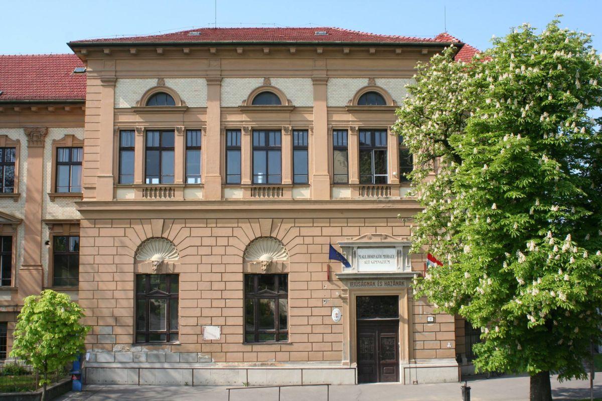 A szentesi Horváth Mihály Gimnázium épülete.