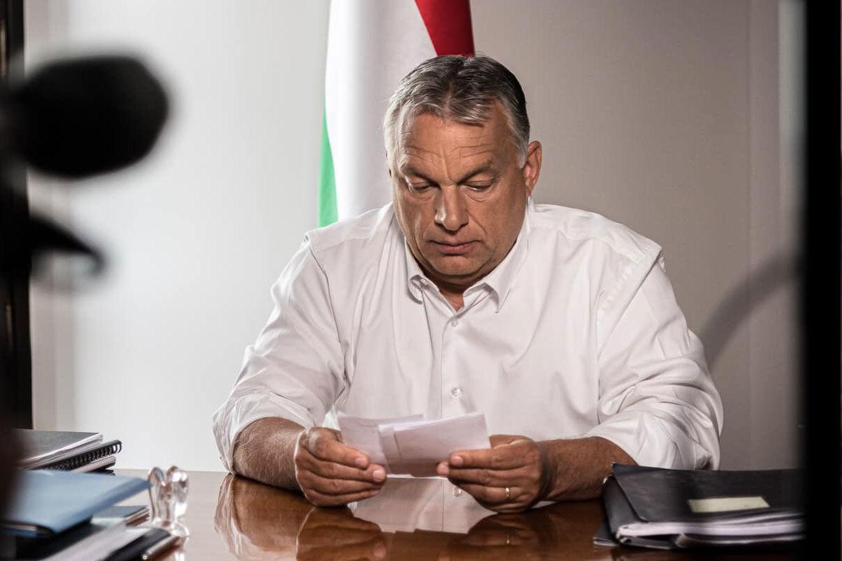 Orbán Viktor bejelent.