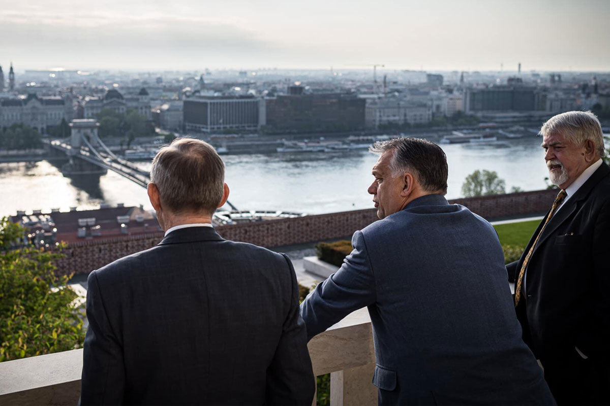Pintér Sándor, Orbán Viktor és Kásler Miklós.
