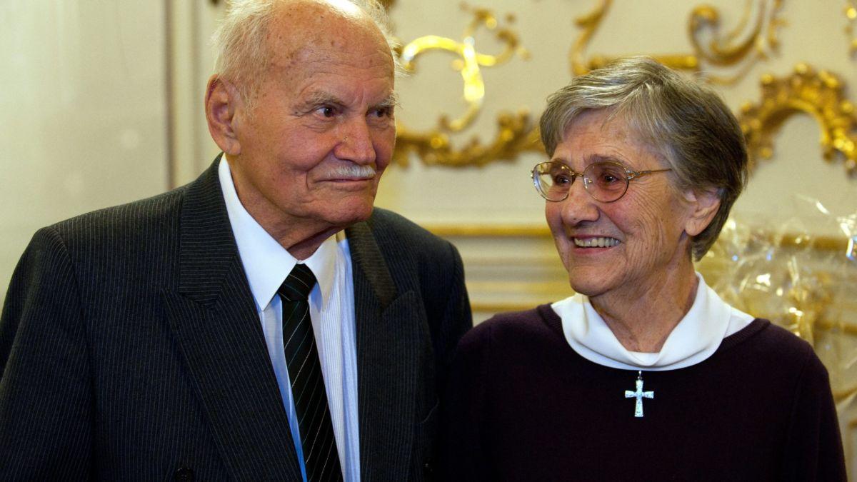 Göncz Árpád volt köztársasági elnök és felesége, Zsuzsa asszony 2012-ben.