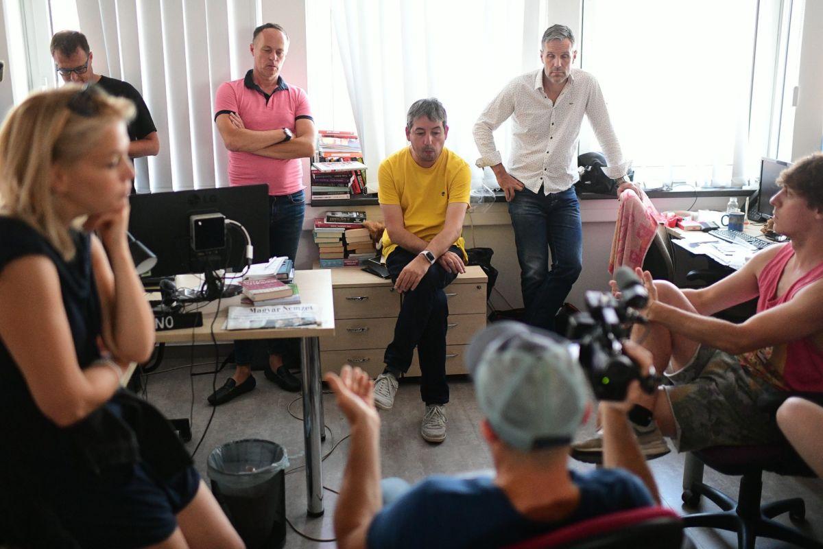 Az Index szétveréséhez asszisztáló Szombathy Pál, Bodolai László és Sztankóczy András az állománygyűlésen 2020. július 23-án.
