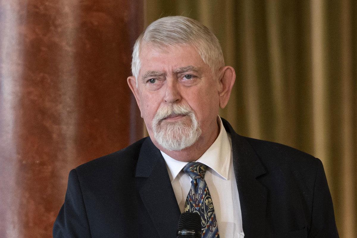 Kásler Miklós, az emberi erőforrások minisztere a beszédet mond a Semmelweis-díj és a Batthyány-Strattmann László-díjak átadásán a Pesti Vigadóban 2020. július 6-án.