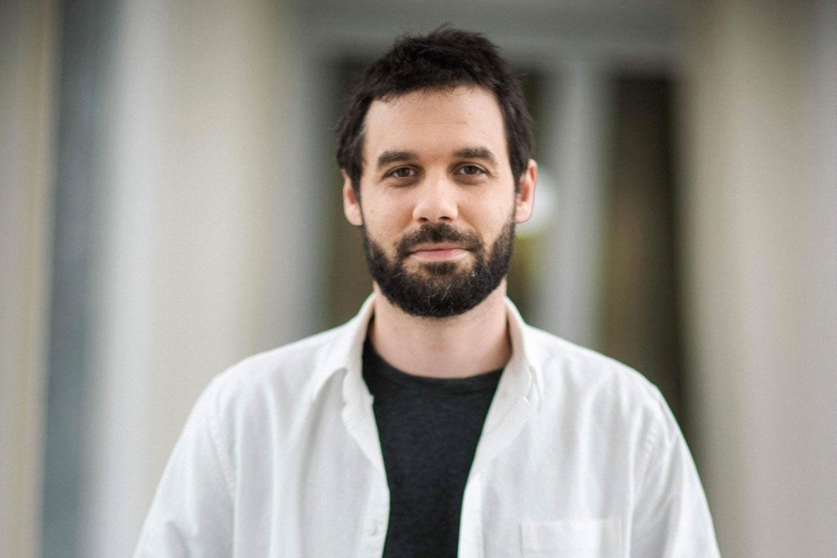 Virológus: jó eséllyel visszatér a maszkhordás és a kötelező távolságtartás