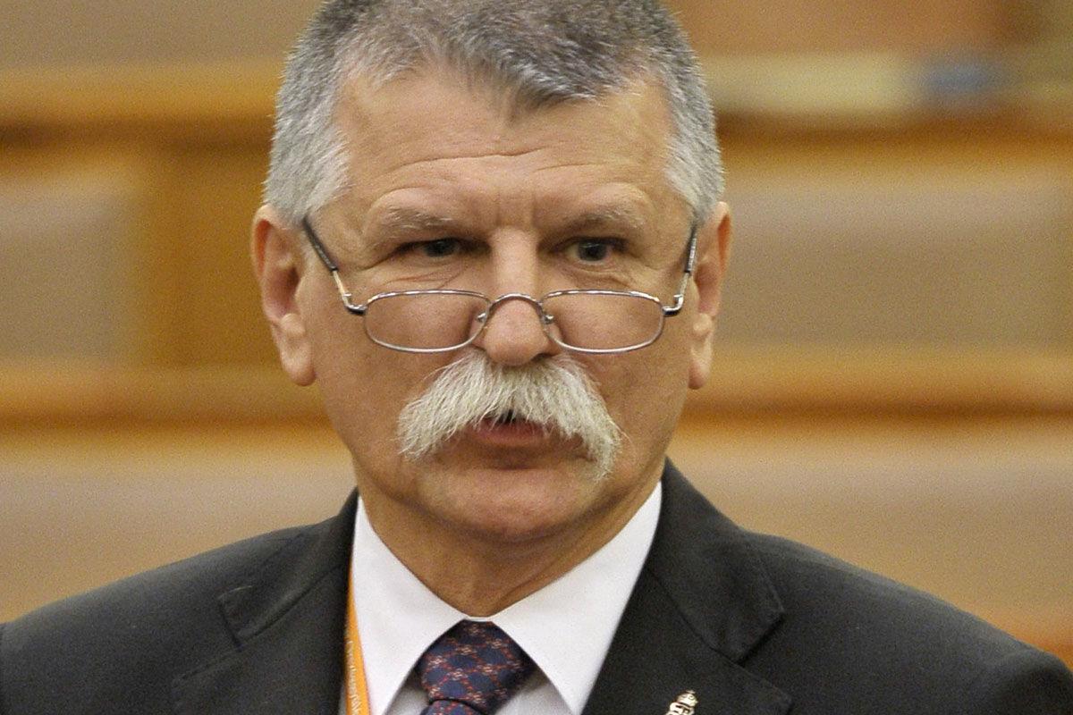 Kövér László, az Országgyűlés elnöke záróbeszédet mond a koronavírus gazdasági hatásaival kapcsolatos európai uniós gazdasági intézkedésekről szóló kormánypárti javaslat vitáján az Országgyűlés plenáris ülésén 2020. július 14-én.