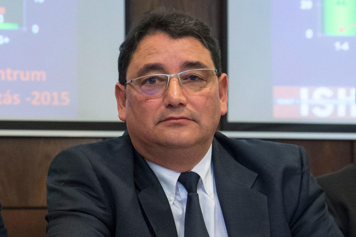Merkely Béla, a Semmelweis Egyetem rektora, a klinikai járványelemző munkacsoport vezetője.