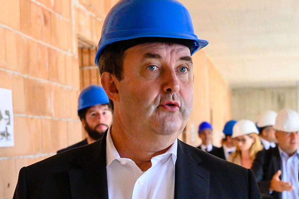 Palkovics László innovációs és technológiai miniszter Balatonfüreden a Budapesti Műszaki Egyetem (BME) tudáscentrumának bejárásán 2020. július 17-én.