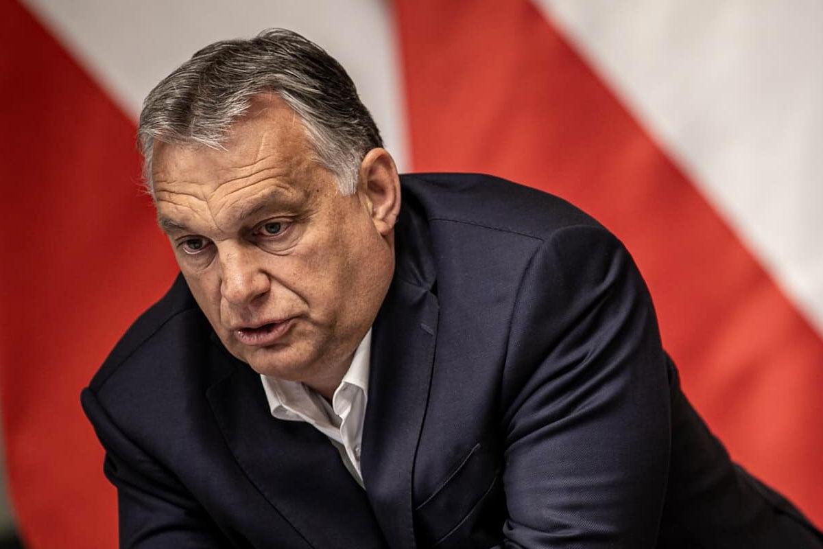 Orbán újabb utazási szigorításokkal riogat