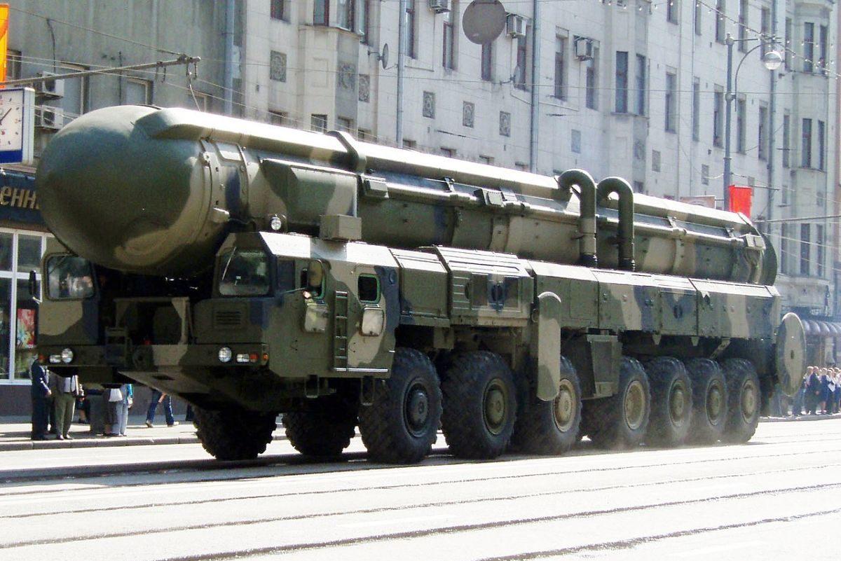 RT–2PM Topol rakéta a 2008-as moszkvai győzelem napi parádéra készülődve.