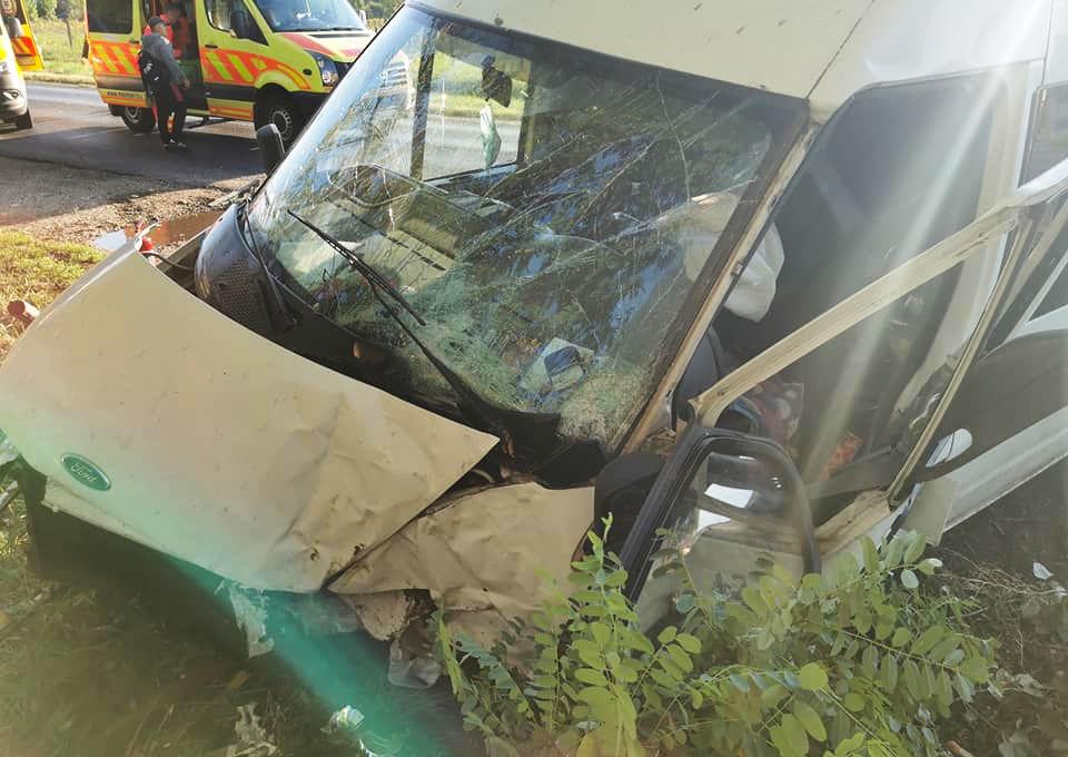 Rendőrség: ketten meghaltak a nyársapáti balesetben