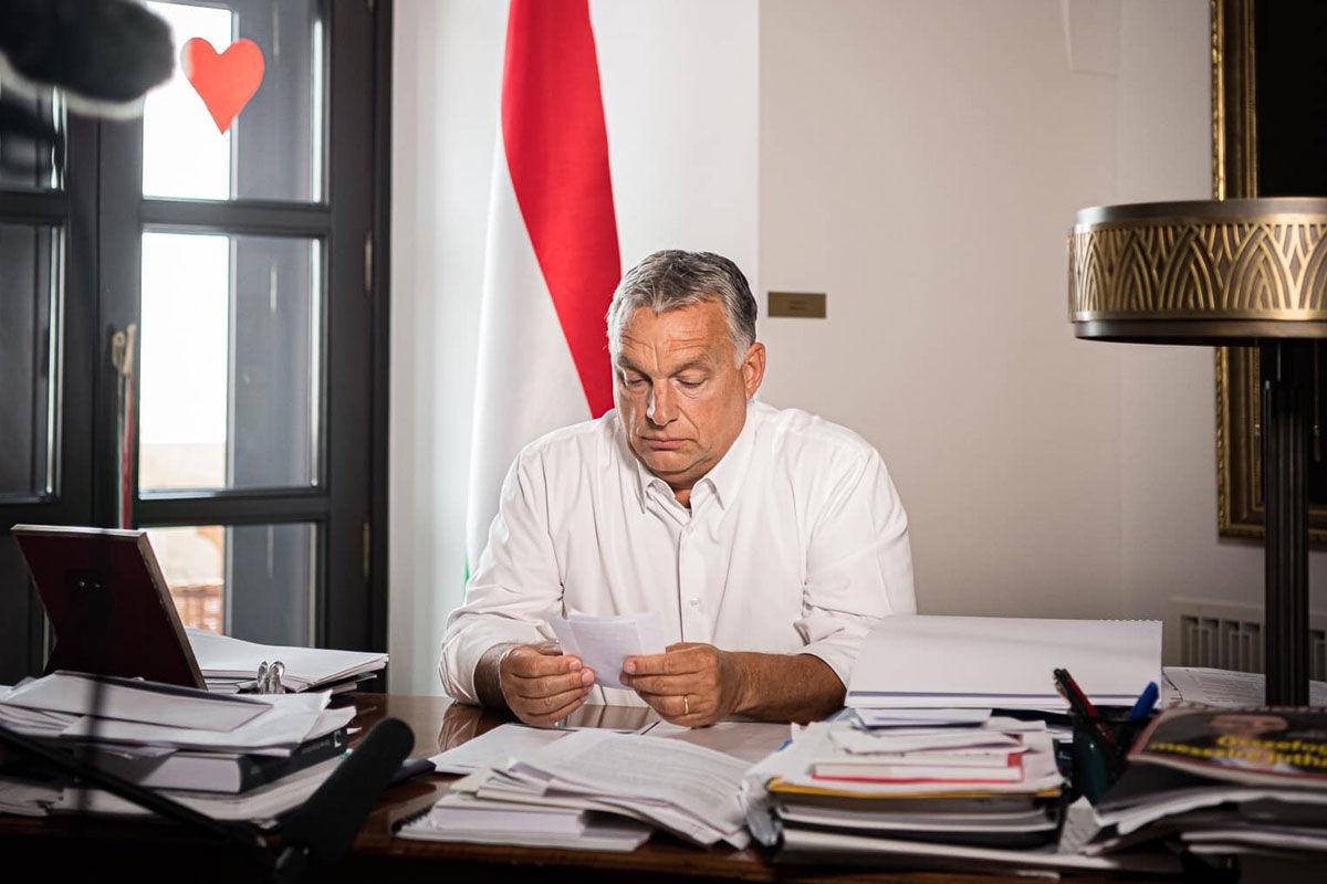 Orbán Viktor megint mondani akar valamit