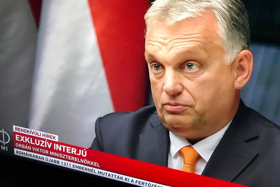 """Orbán interjút adott a tévéjének: """"az országnak működnie kell"""""""