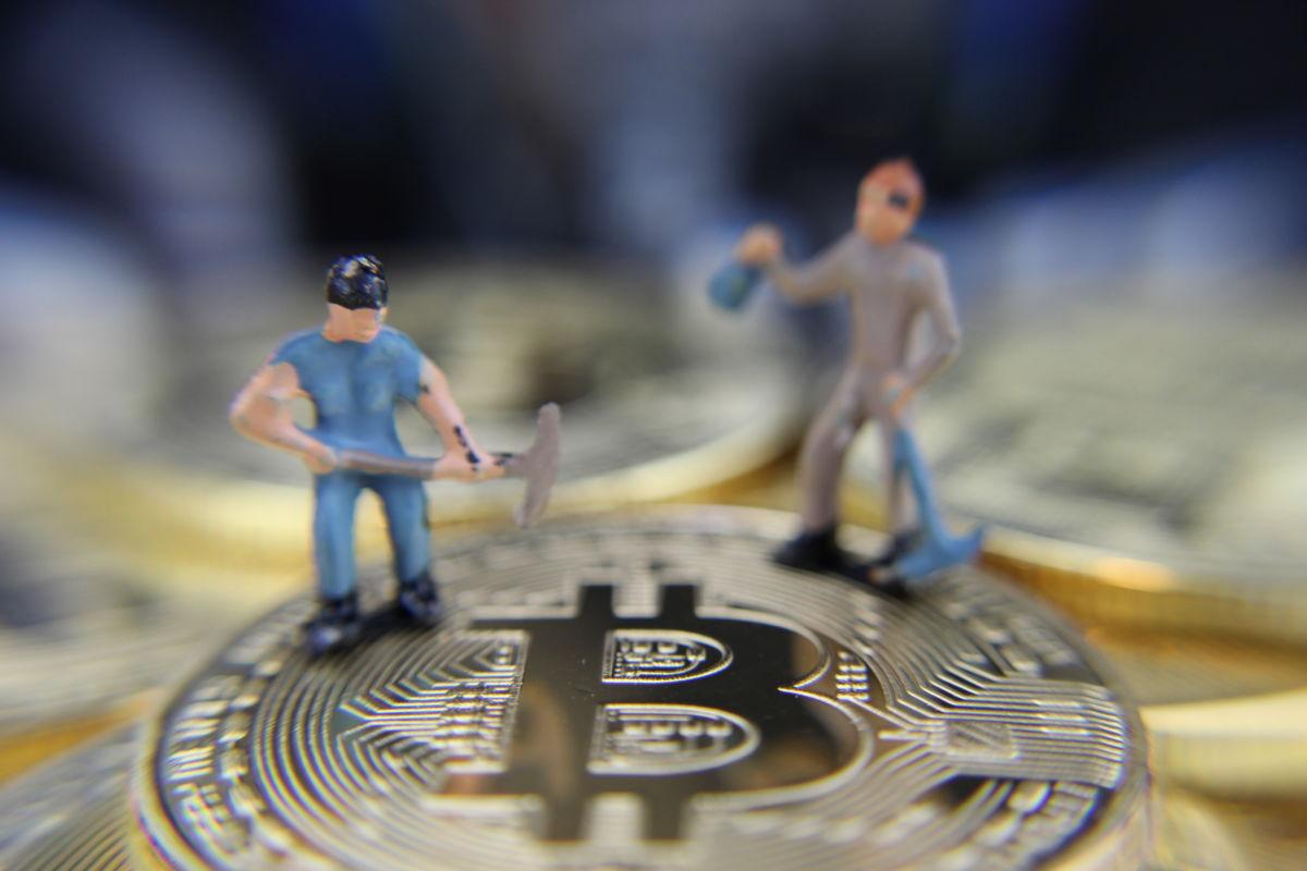 Hatalmas árfolyamkilengések, extrém lehetőségek: itt a decentralizált pénzügyek világa