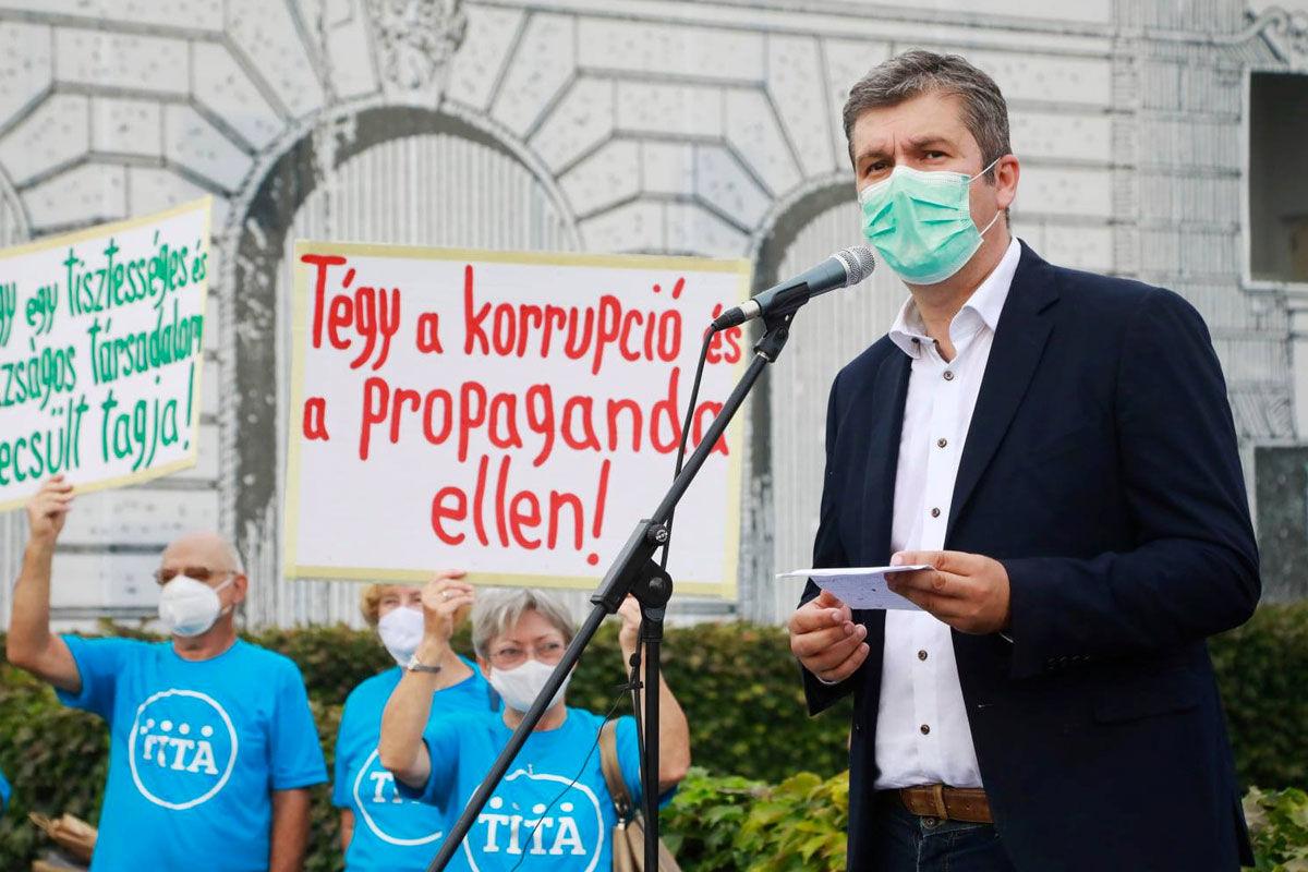 Hadházyék blokádot hirdettek az MTVA-székházhoz október 23-ára