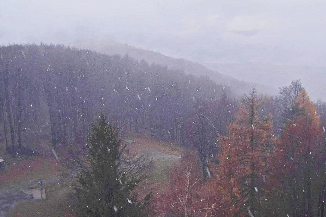 Kékestetőn havazik; a jövő héten akár 20 fok is lehet
