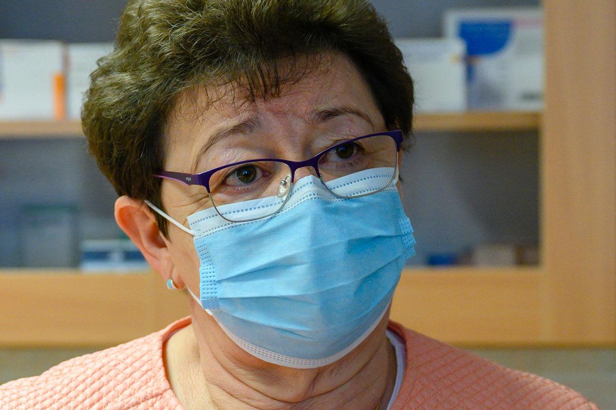 Müller Cecília országos tisztifőorvos a koronavírus-járvány aktuális magyarországi helyzetéről tartott sajtótájékoztatóján a Fejér megyei Nagyvenyim orvosi rendelőjében 2020. november 15-én.