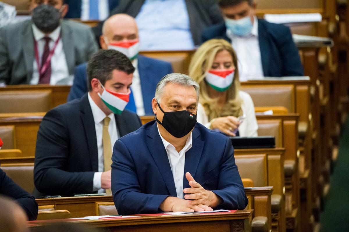 Orbán Viktor miniszterelnök az Országgyűlés rendkívüli ülésén 2020. november 10-én.