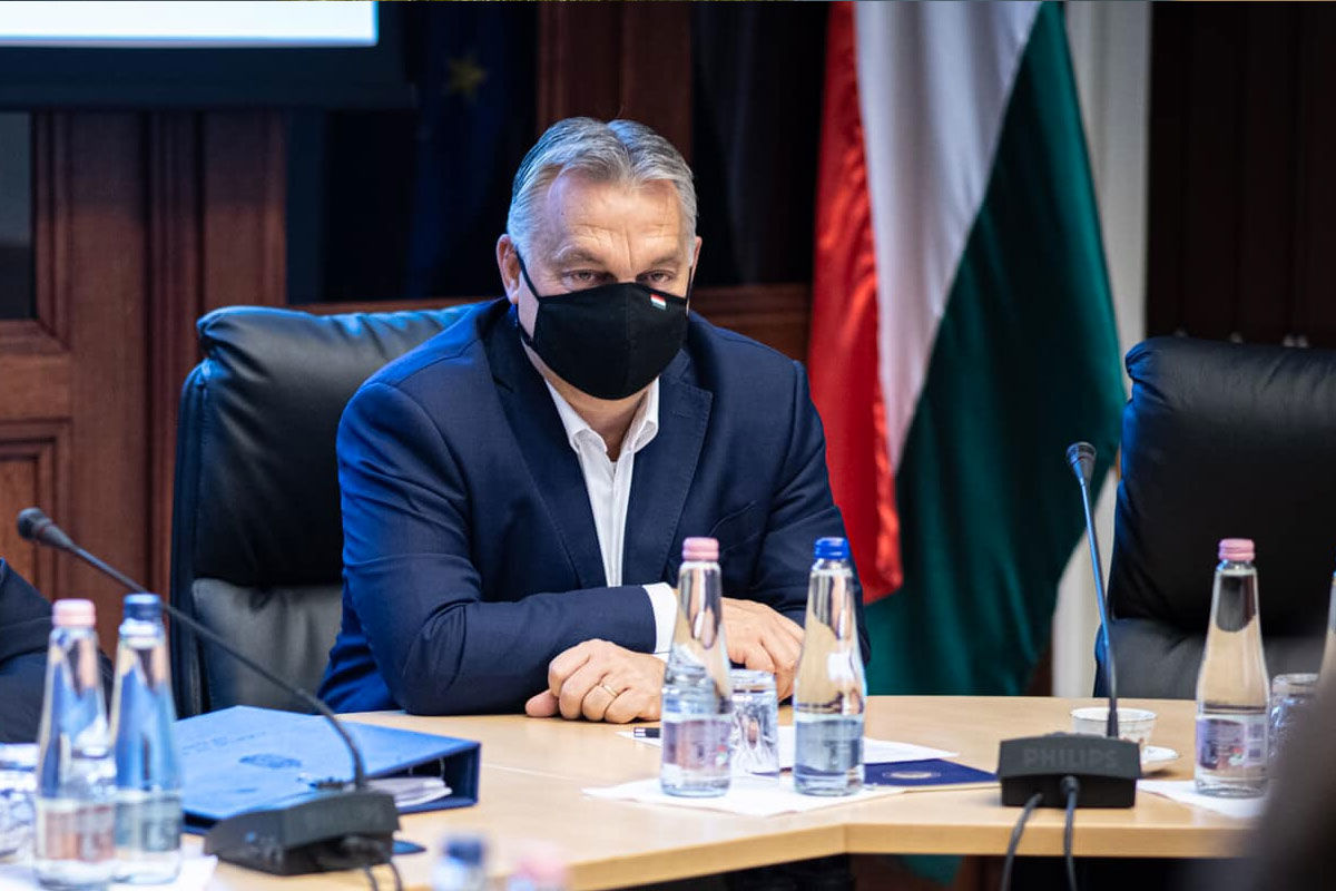 Orbán elmondta, mennyi szabad kórházi ágy van a COVID-osoknak