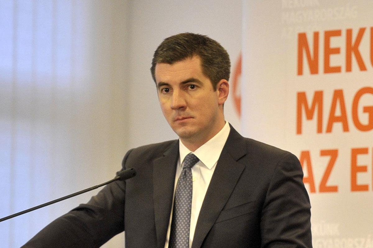 Kocsis Máté, a Fidesz parlamenti frakcióvezetője az őszi ülésszak végén tartott sajtótájékoztatójukon a Képviselői Irodaházban 2020. december 16-án.