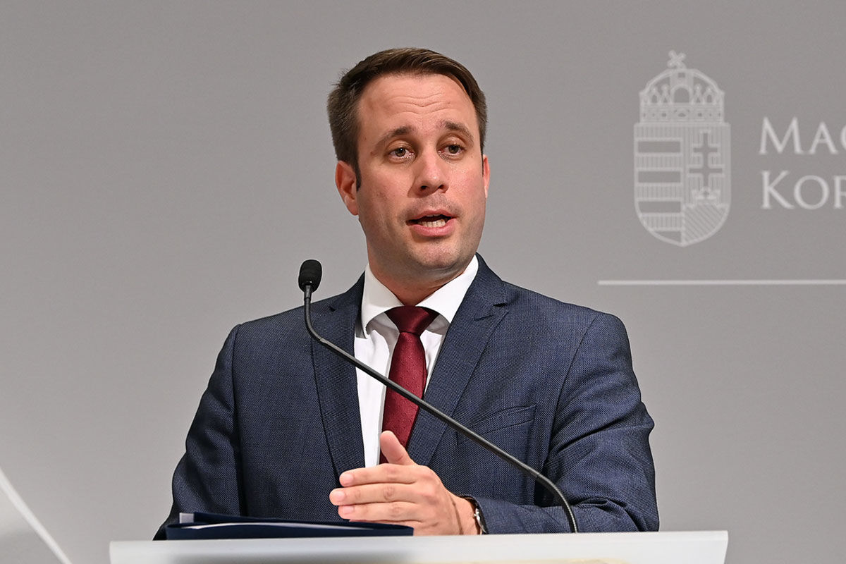 Dömötör Csaba, a Fidesz országgyűlési képviselője, parlamenti államtitkár.