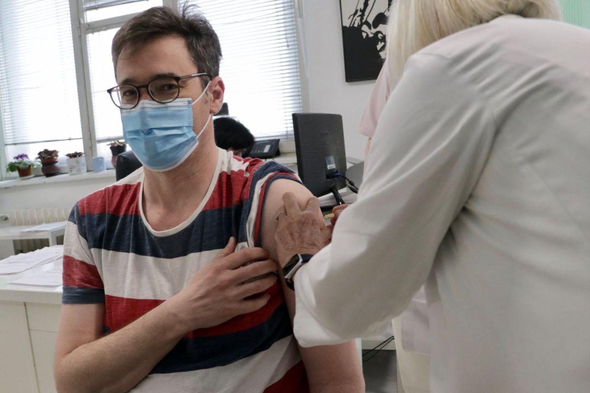 """Karácsony Gergelyt is beoltották, """"azzal a vakcinával, ami jutott"""""""