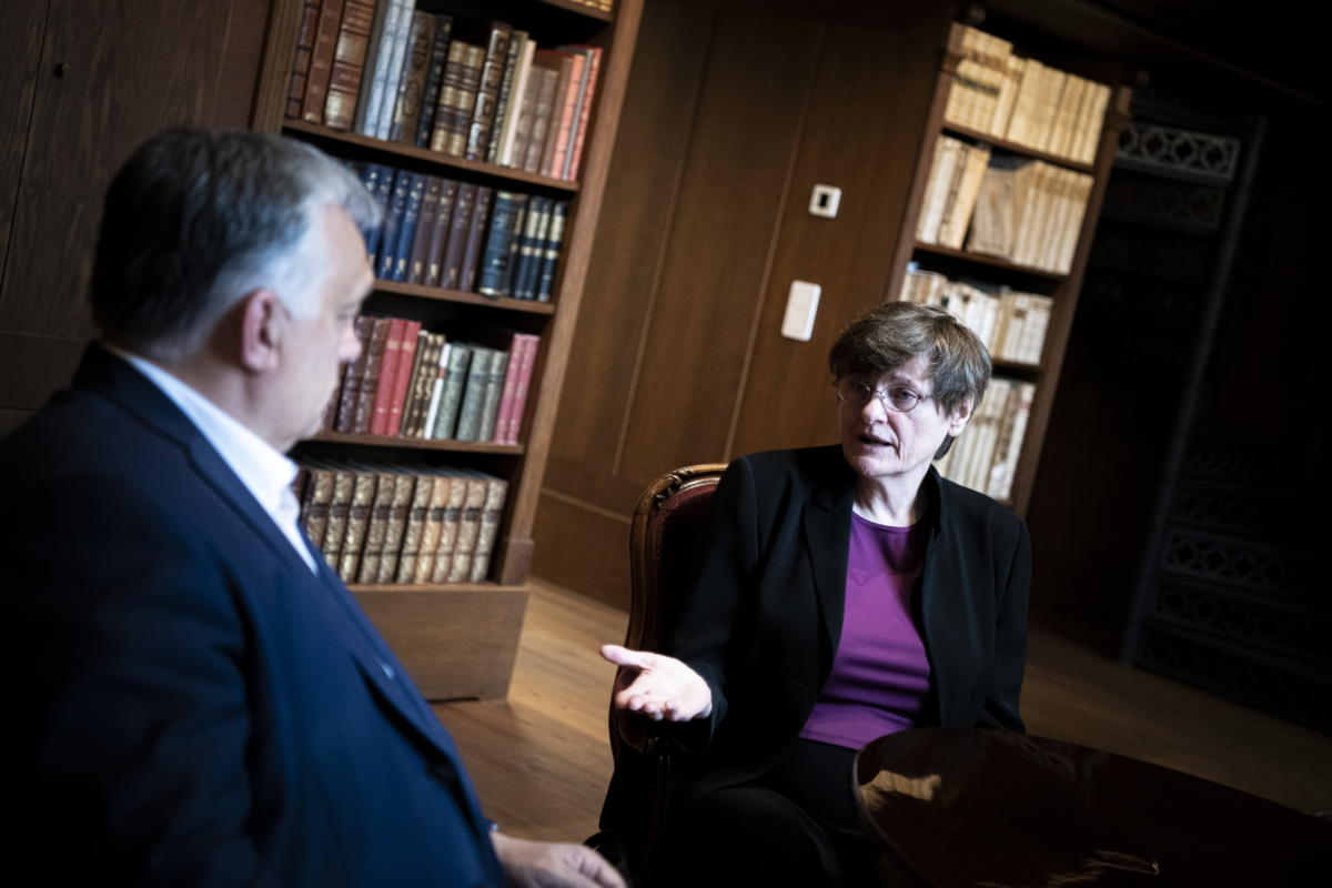 Orbán Viktor kormányfő fogadja Karikó Katalin kutatóbiológust, biokémikust, a szintetikus mRNS-alapú vakcinák technológiájának szabadalmaztatóját a Karmelita kolostorban 2021. május 13-án.