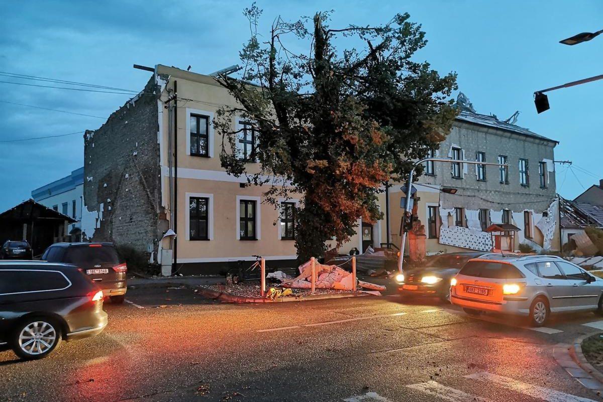 Tornádópusztított Csehországban, többen meghaltak, rengeteg a sérült