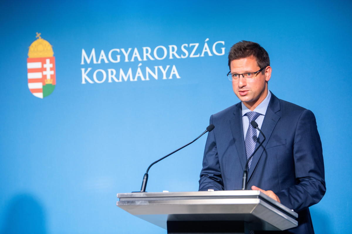 Gulyás Gergely, a Miniszterelnökséget vezető miniszter a Kormányinfó sajtótájékoztatón a Miniszterelnöki Kabinetiroda sajtótermében 2021. június 24-én.
