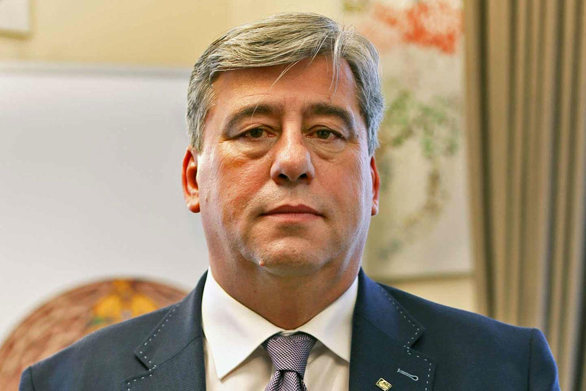 Mocsai Lajos otthagyja rektori állását, hogy a fideszes kuratórium elnöke lehessen