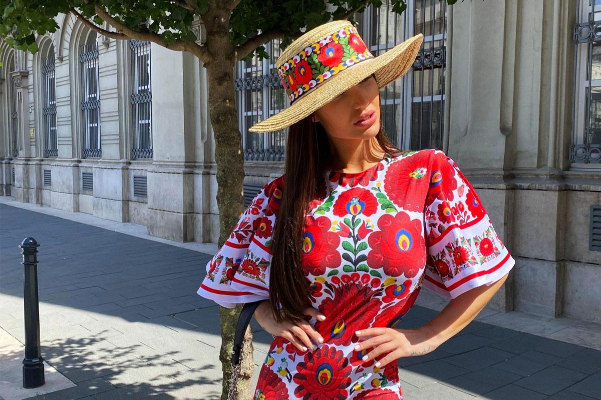 Jelentős állami támogatásból fejleszt a magyar Insta-celebek ruhamárkája, a Sugarbird