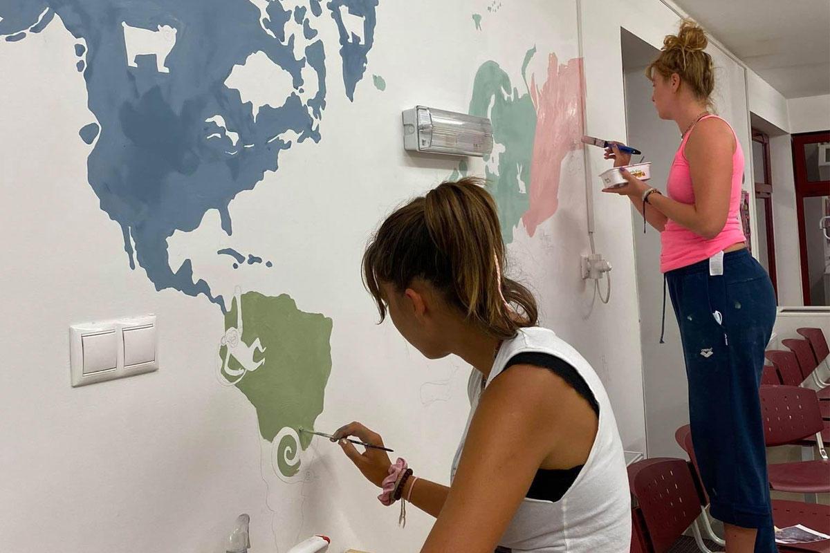 Kőszegi civilek kifestettek egy gyermekorvosi rendelőt, mire vizsgálatot rendelt el az önkormányzat