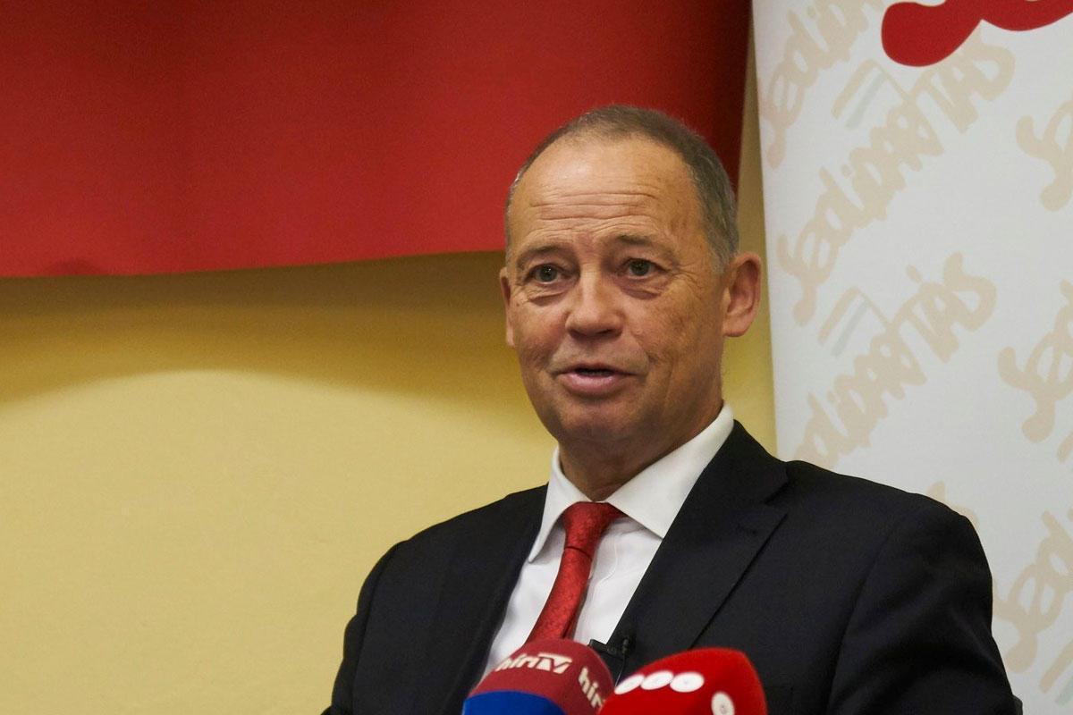 Szanyi Tibor, az Igen Szolidaritás Magyarországért Mozgalom miniszterelnök-jelöltje.