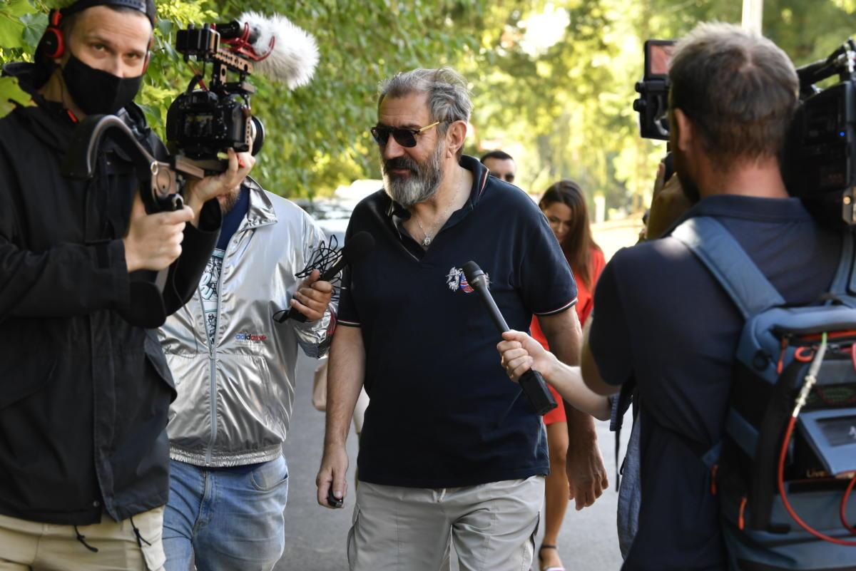 Eperjes Károly Kossuth-díjas színművész érkezik a Polgári Magyarországért Alapítvány rendezvényére, a Polgári Piknikre a kötcsei Dobozy kúriához 2021. szeptember 4-én.